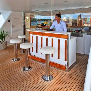 Oscar II yacht whitsundays bar