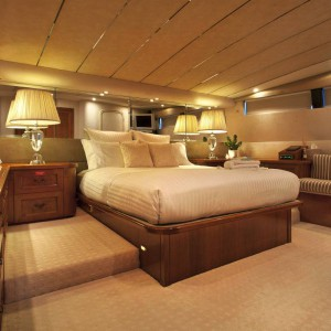 Oscar II yacht whitsundays master cabin