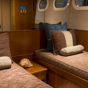 Cosmos yacht aft cabin 2 single convert to 1 queen