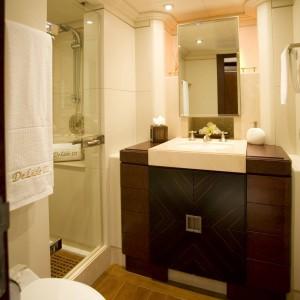 Yacht charters whitsundays twin bathroom