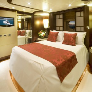 Yacht charters whitsundays guest double bed