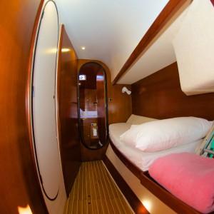 yacht charters whitsundays bedroom