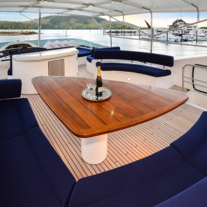 Alani yacht dining space