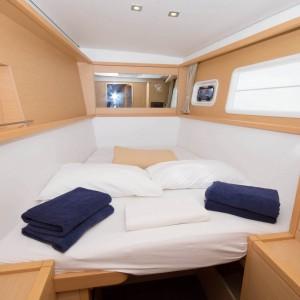 lagoon 450 sailing catamaran king size bed