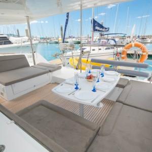 lagoon 450 sailing catamaran outer